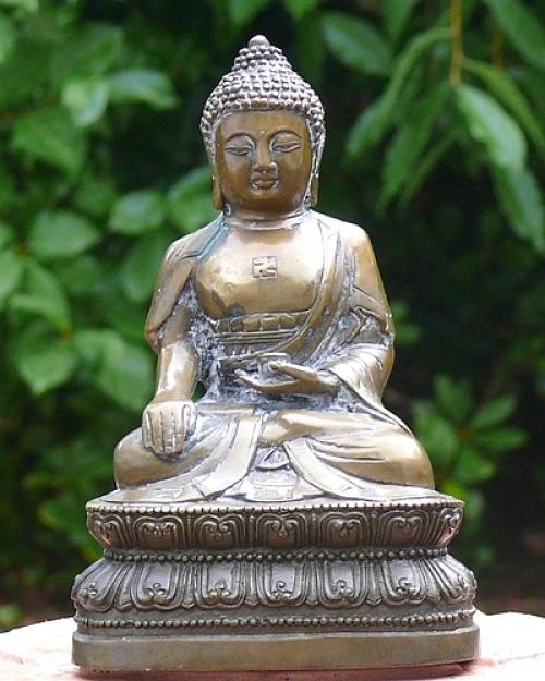 buddha figuren bedeutung buddha mit swastika with buddha figuren bedeutung perfect buddha. Black Bedroom Furniture Sets. Home Design Ideas